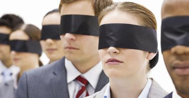 Có hay không chuyện các IB được cấp riêng cho 1 tài khoản DEMO để bịt mắt khách hàng